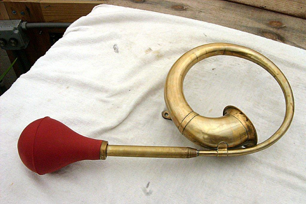 A red bulb for Carlisle's squeezehorn.